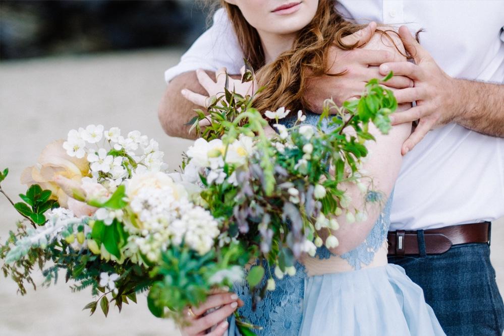 (13a)_Elopement_Cornwall_heiraten_Ausland_blaues_brautkleid_blue_wedding_dress_individual_intimate_hochzeit