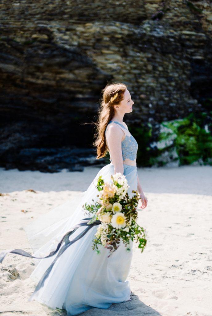 (19)_Elopement_Cornwall_heiraten_Ausland_blaues_brautkleid_blue_wedding_dress_individual_intimate_hochzeit