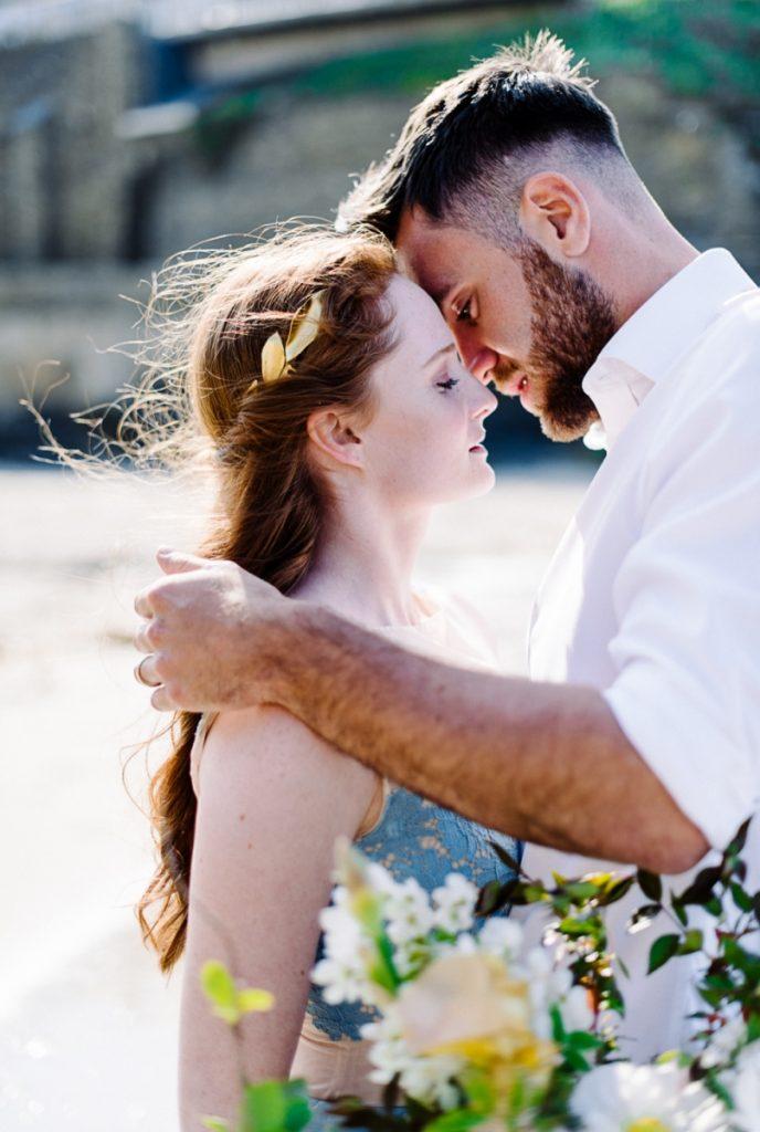 (23)_Elopement_Cornwall_heiraten_Ausland_blaues_brautkleid_blue_wedding_dress_individual_intimate_hochzeit