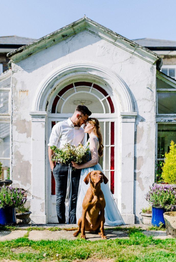 (27)_Elopement_Cornwall_heiraten_Ausland_blaues_brautkleid_blue_wedding_dress_individual_intimate_hochzeit