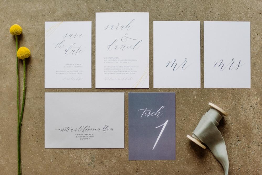 (3)Hochzeit_wedding_inspiration_flowers_blumen_gut_sonnenhausen_Kitty_Fried_Photography_Kochstall_yellow_gelb_grey_grau