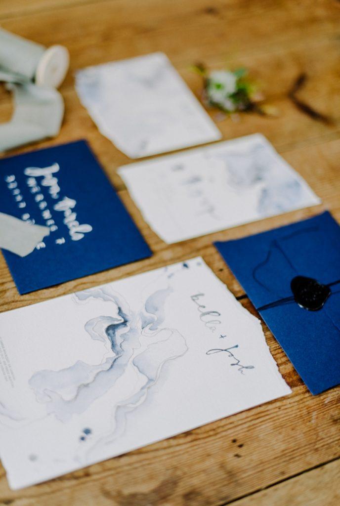 Elopement_Cornwall_heiraten_Ausland_blaues_brautkleid_blue_wedding_dress_individual_intimate_hochzeit